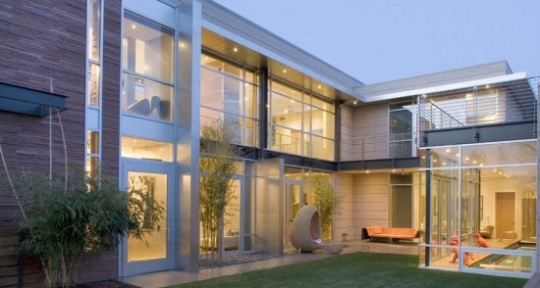 luxury-contemporary-house-design-exterior-550x294